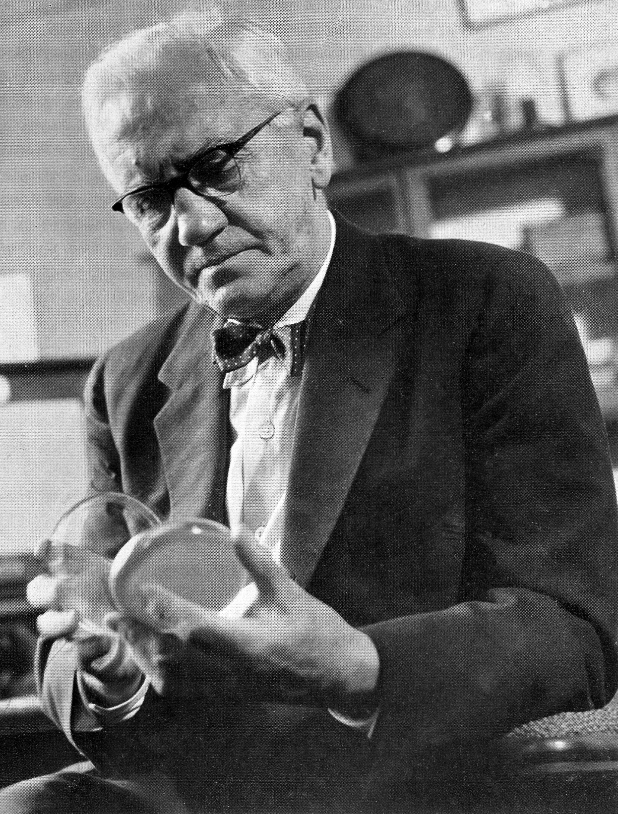 Sir Alexander Fleming. Photo: Wellcome Images.