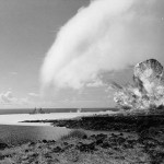 400px-TNT_detonation_on_Kahoolawe_Island_during_Operation_Sailoir_Hat,_sjot_Bravo,_1965