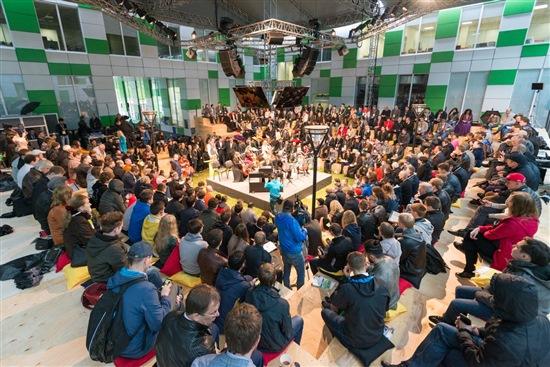 Открытие конференции Роботикс в Сколково. Фото: Sk.ru