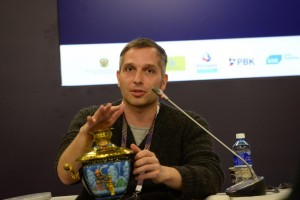Professor Philipp Khaitovich and his samovar-for-a-brain artifact.