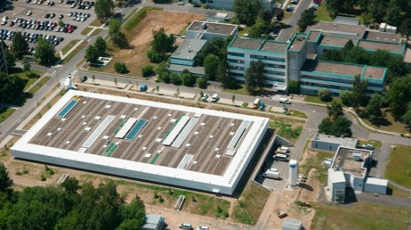 A bird's eye view of the Institute of Aerospace Medicine in Cologne, Germany. The :envihab is the large building in the center, and the institute is seen in the top right corner.