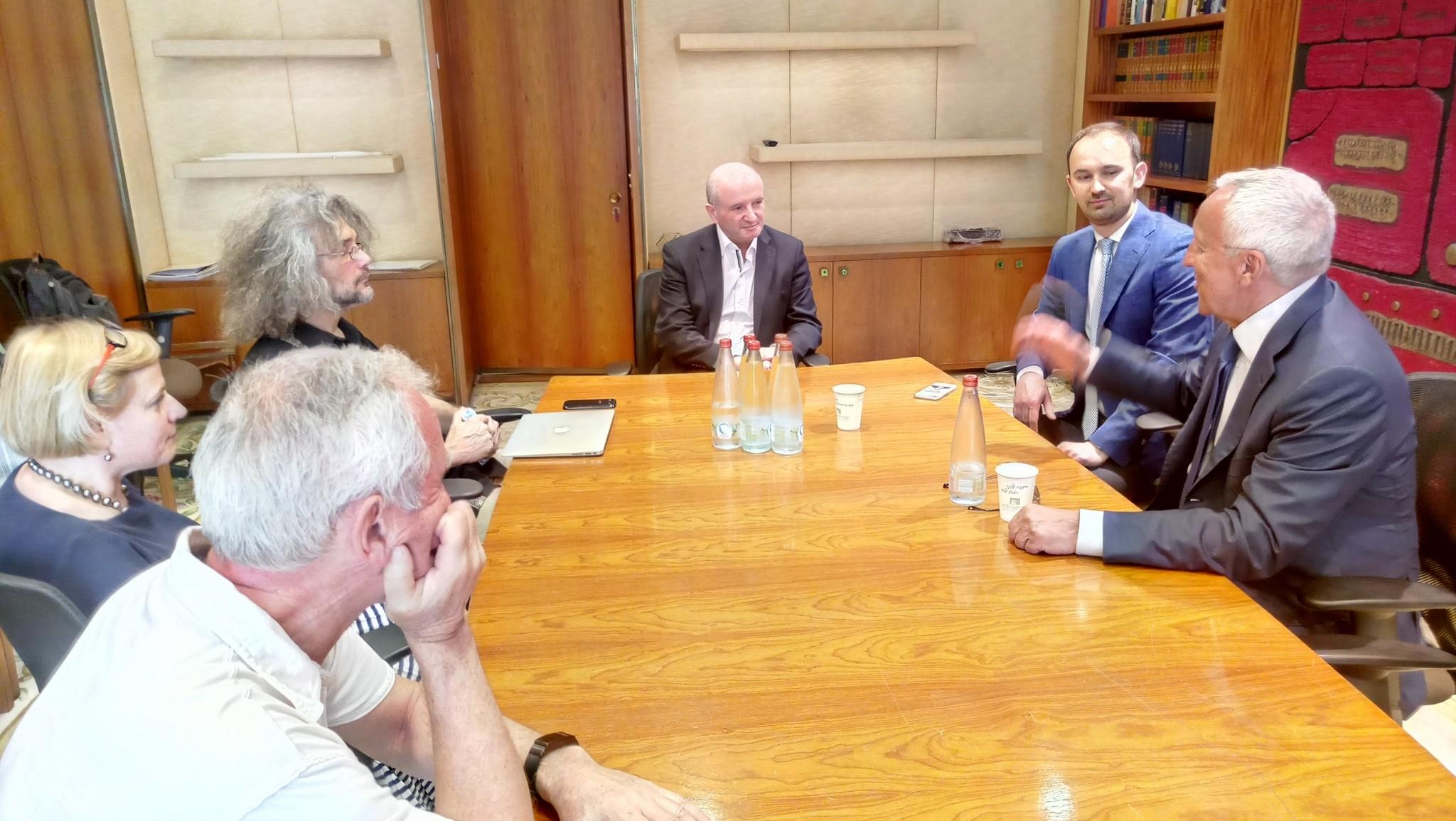 The Skoltech delegation meets with Weizmann Institute President Daniel Zajfman.