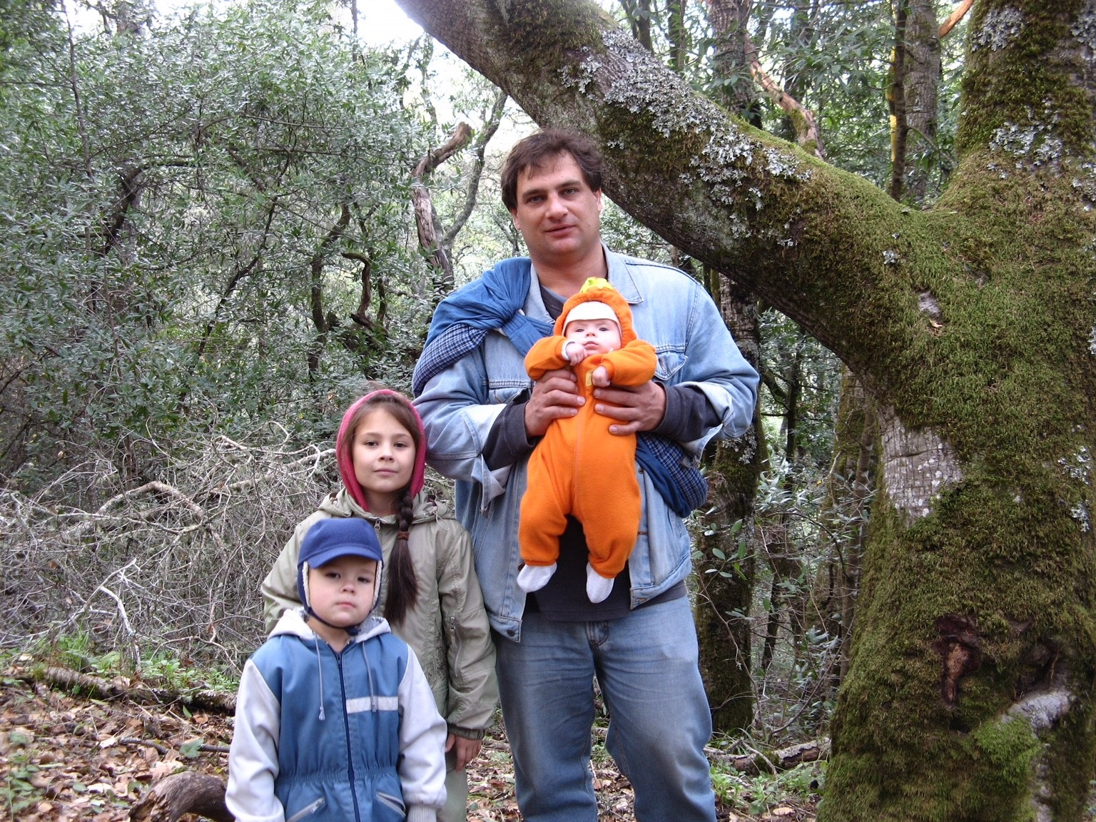 Papatsenko and his three youngest children. Photo: Papatsenko family.