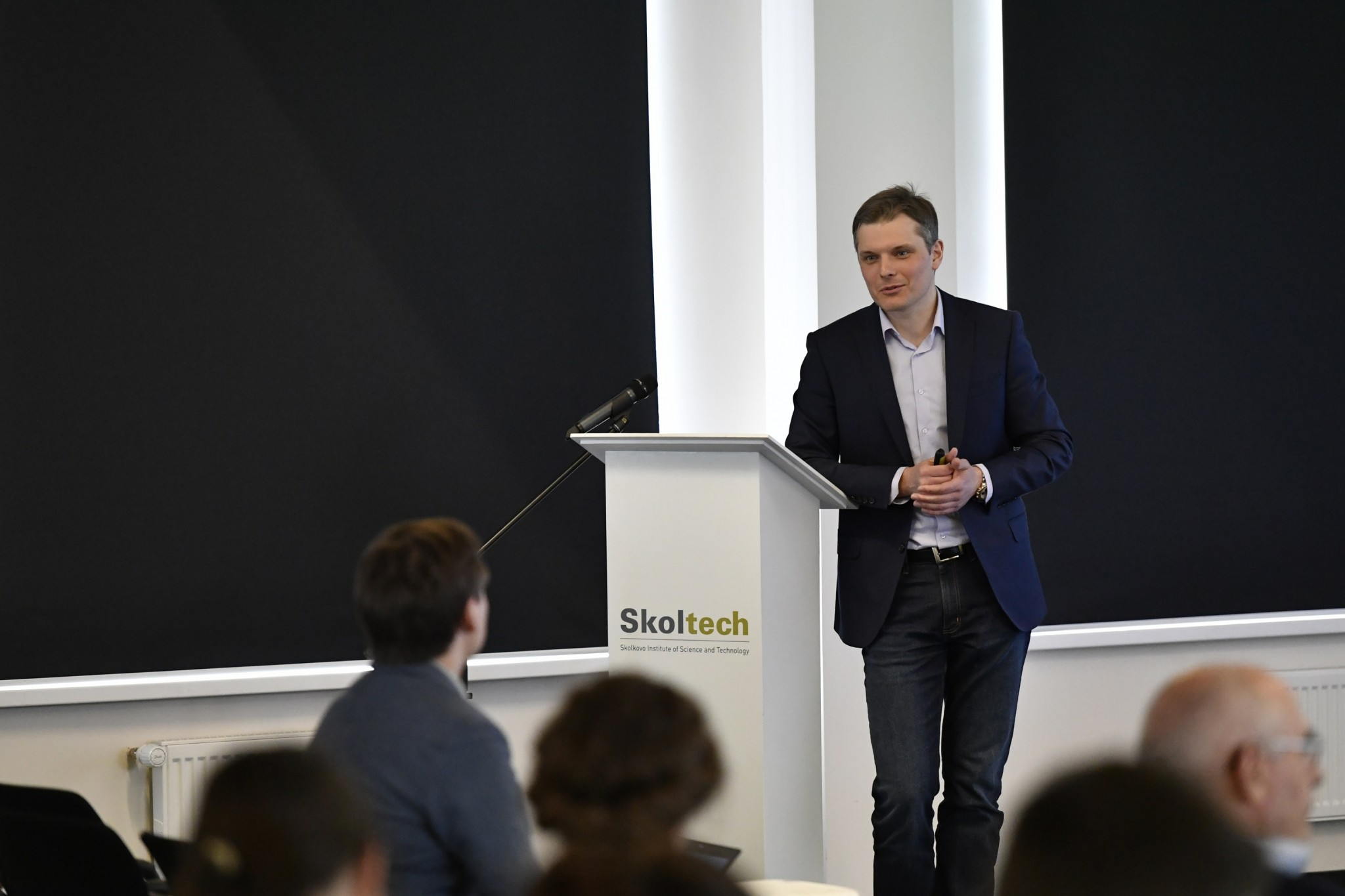Skoltech Professor Dmitry Koroteev delivers remarks during an oil and gas seminar hosted jointly with Gazprom Neft. Photo: Skoltech.