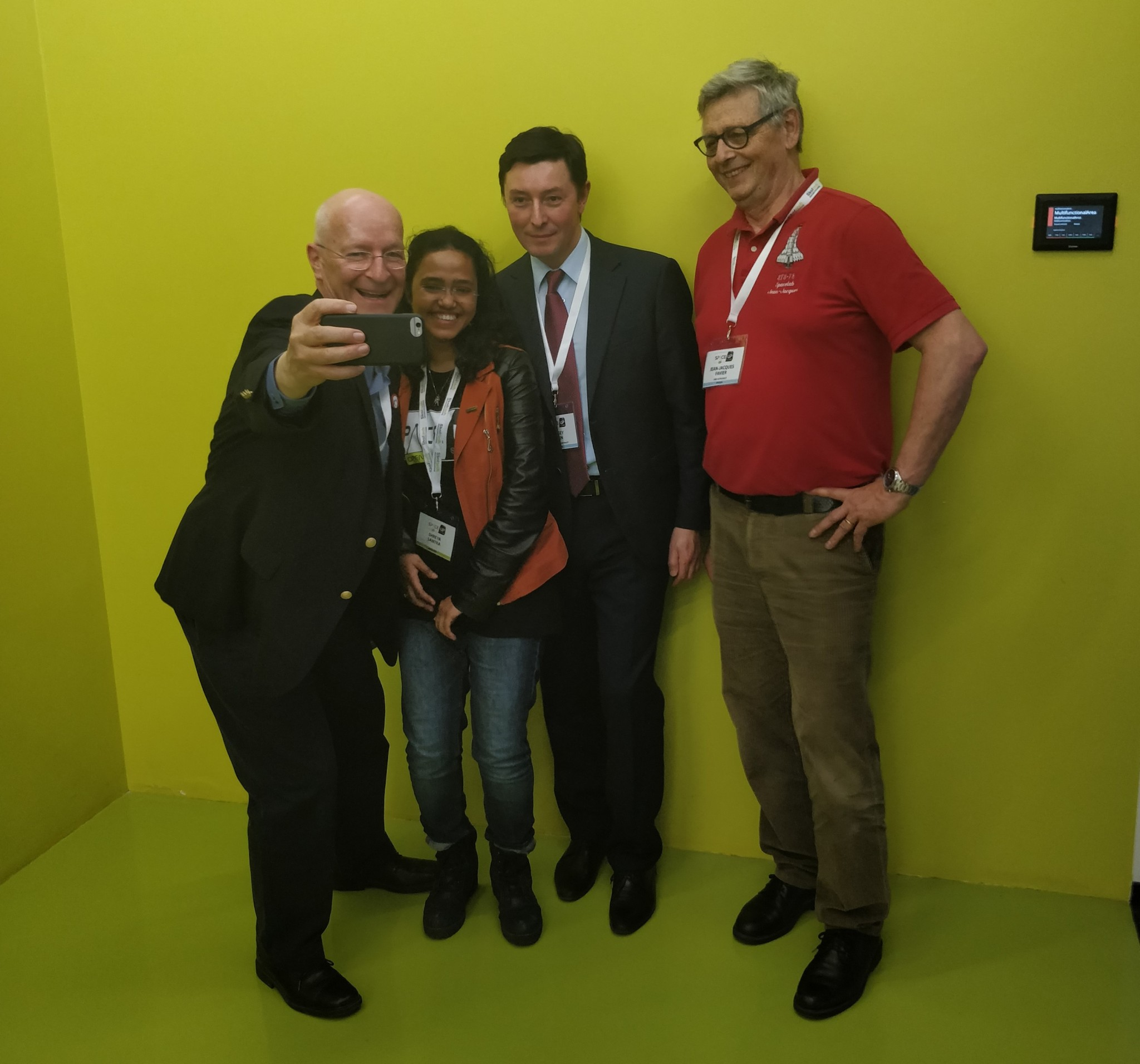 Nicollier snaps a selfie with Skoltech MSc student and SpaceUp organizer Shreya Santra, as well as cosmonaut Sergey Revin and fellow astronaut Jean-Jacques Favier. Photo: Skoltech.