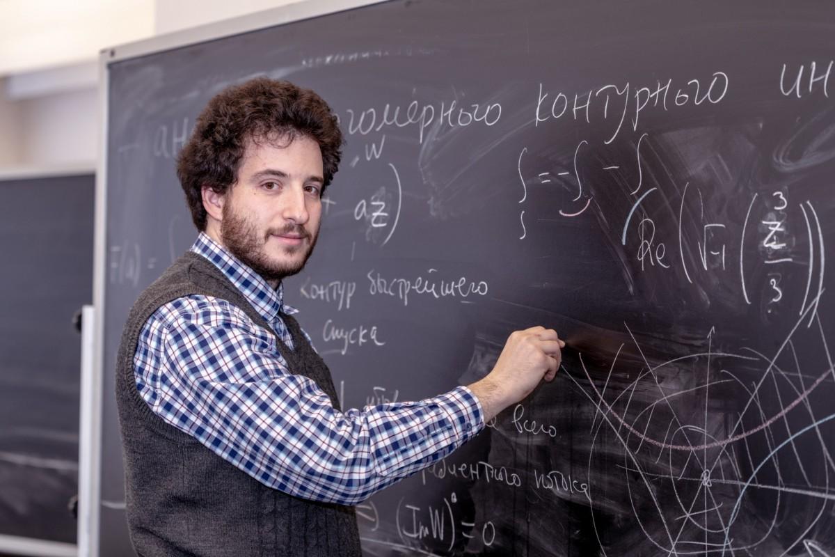 Михаил Берштейн