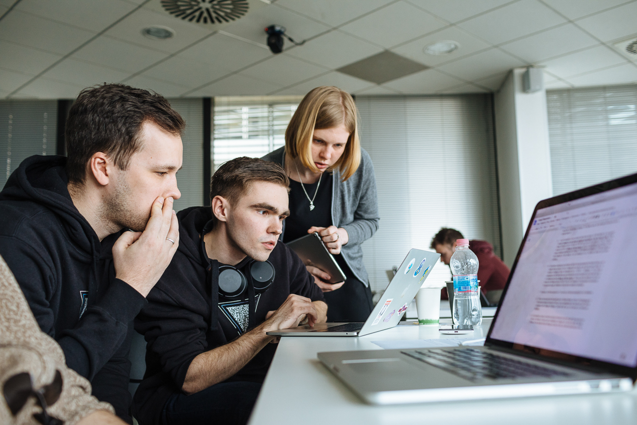 Students and mentor at work, at University of the Republic of San Marino