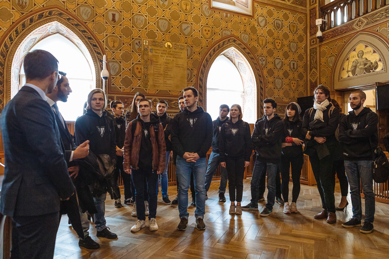 Talking with the minster – Skoltech students and Nuland team with Fabio Righi, the Minister of Industry and Technological Research, At the parliament of the Republic of San Marino