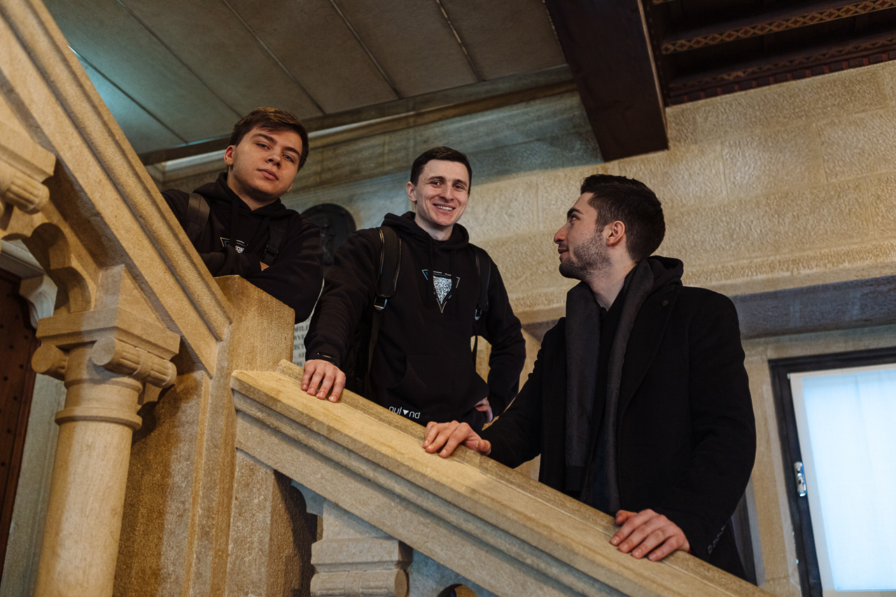 Exploring the parliament of the Republic of San Marino (Skoltech students)
