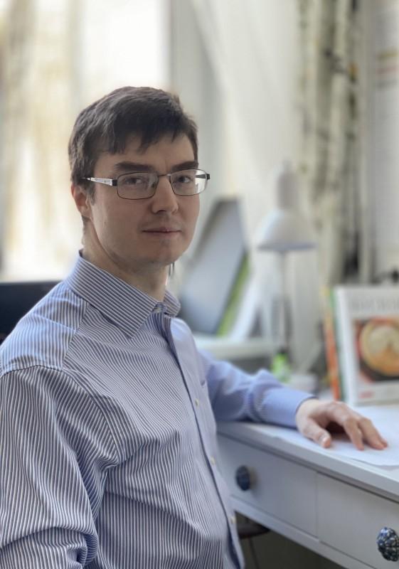 Олег Лычковский