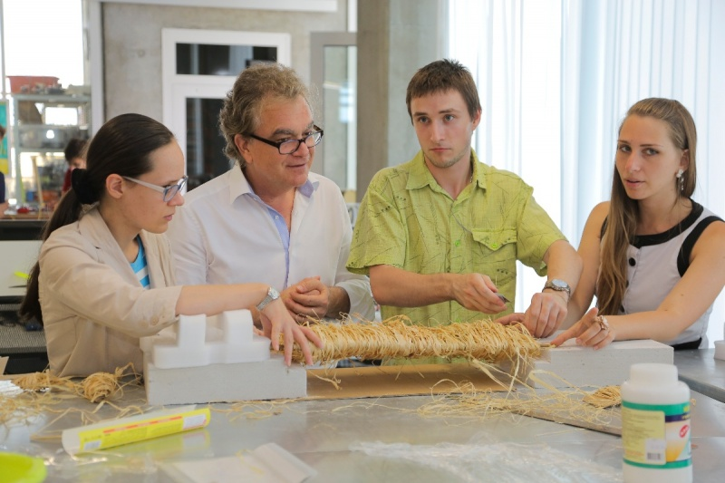 Professor Zafer Gurdal, head of Composites CREI talks to students about sturdy, smart bridges – made of pasta and starch