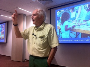 Professor Harry Kroto giving a guest lecture at Skoltech