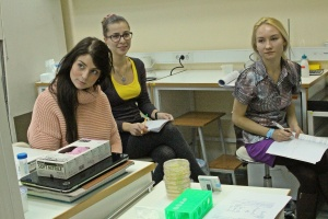 Skoltech biomedicine technology MSc and PhD students at a molecular biology class.