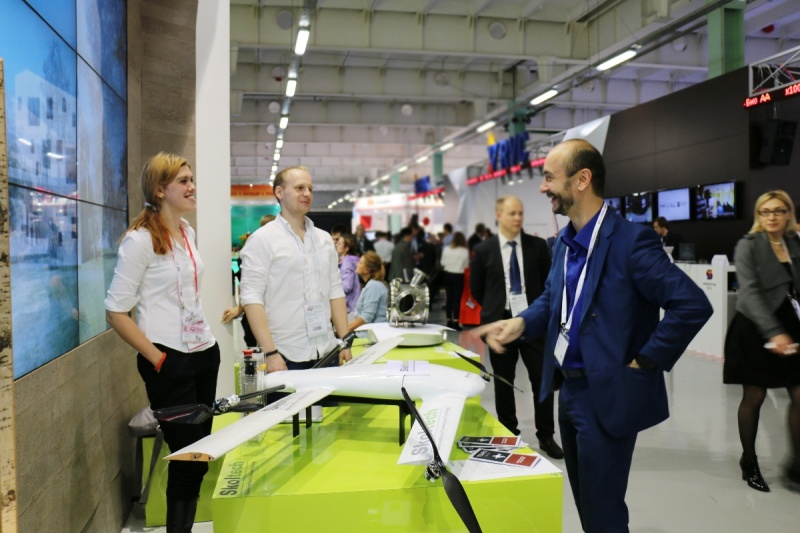 Game of Drones: Skoltech students Nikita Rodichenko and Anastasia Urasheva presented their fleet of civilian drones to guests at the Skoltech booth.
