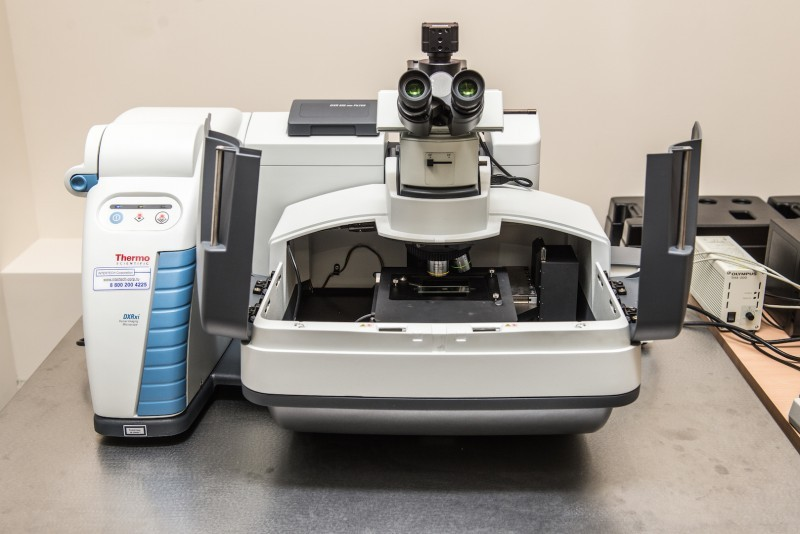 The Thermo Scientific™ DXR™xi Raman Imaging Microscope produced by Thermo Fisher Scientific