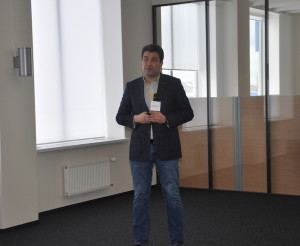 Alexei Sitnikov, Skoltech's Vice-President for Institutional and Resource Development, who welcomed the experts and participants in the institute.