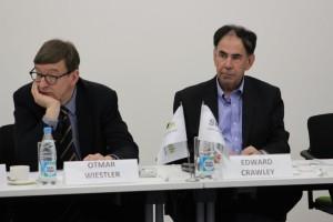 Prof. Dr. Otmar Wiestler, the president of the Helmholtz Association, and  Prof. Dr. Edward Crawley, President of Skoltech.